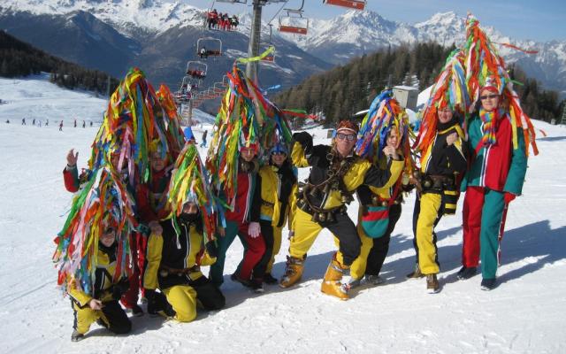 Procession aux flambeaux de carnaval