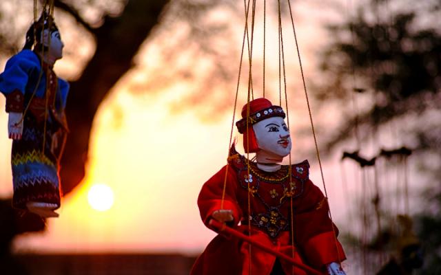 Spettacolo di marionette
